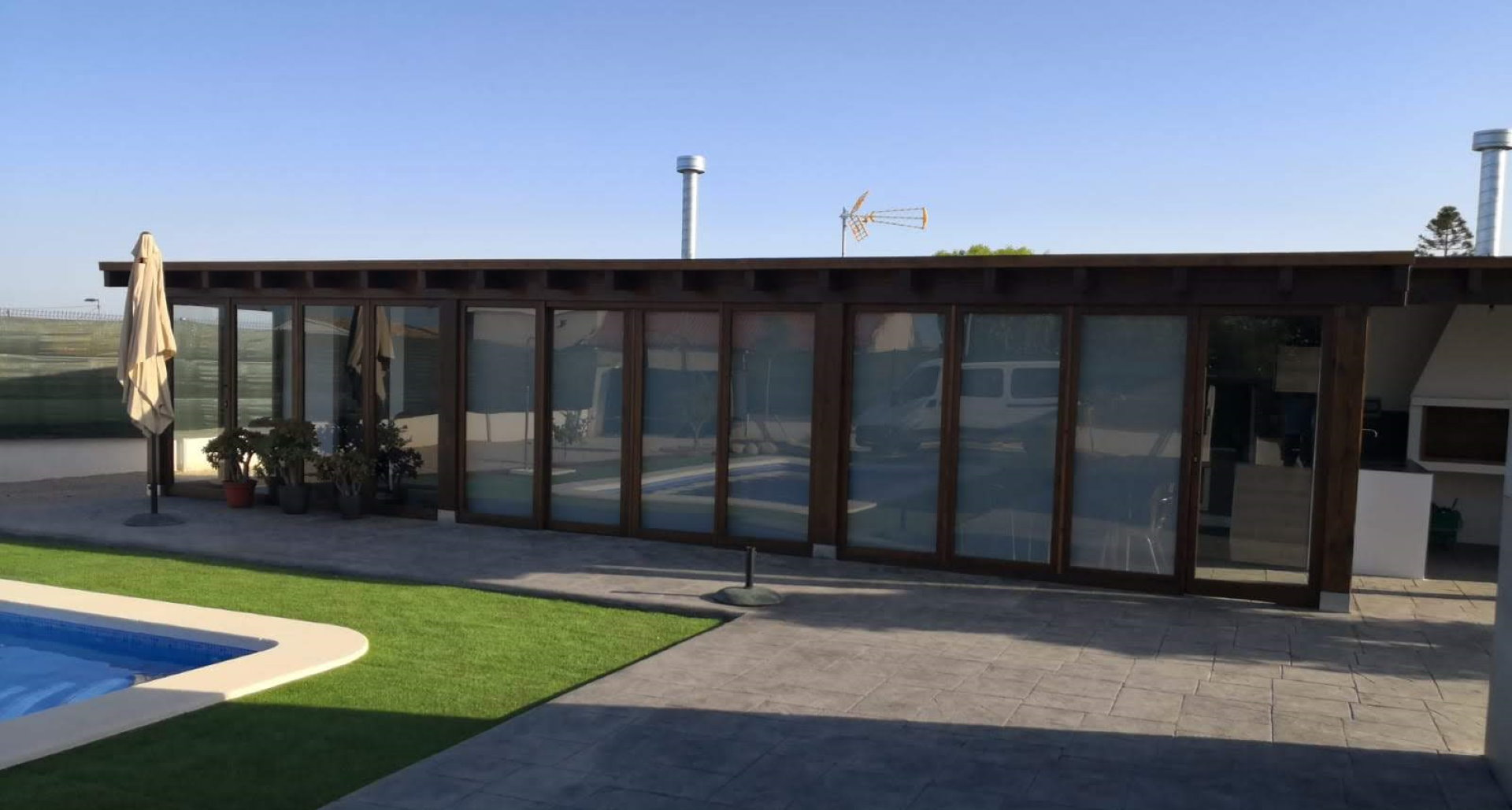 container creative home